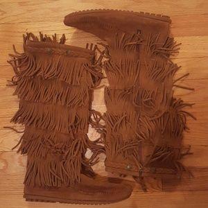 Minnetonka 5-tier fringe boots.